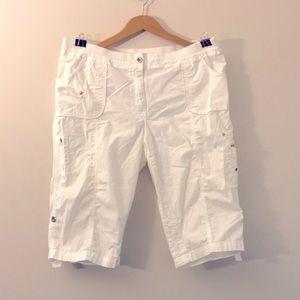 White Capris pants